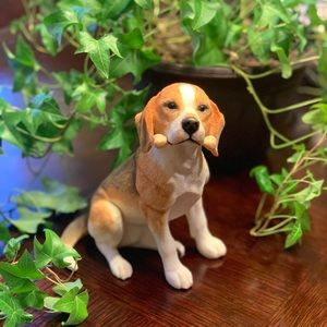 "Beagle w/a bone 6.5"" tall (unmarked)"